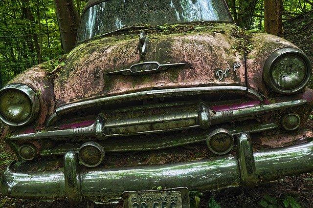 Gdzie kupić używane części samochodowe?